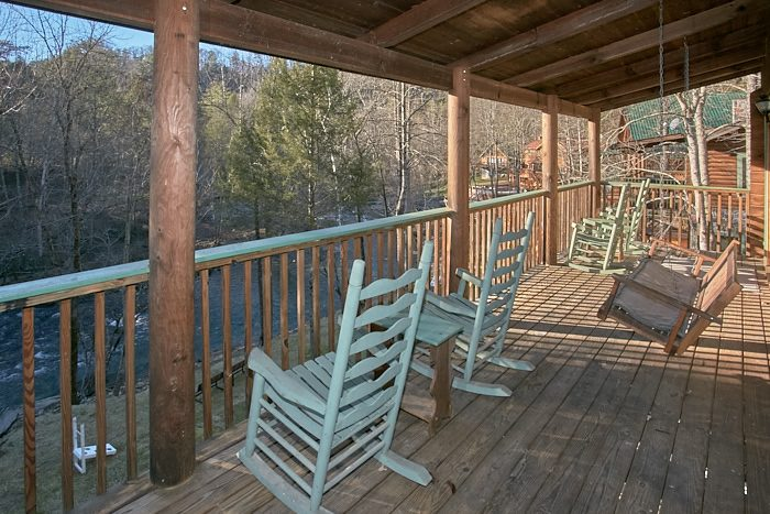 2 Bedroom Smoky Mountain Cabin For Rent